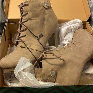 ANA High heeled Boots, taupe